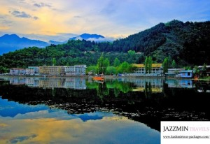 Kashmir Budget Tour Packages at Best Rates