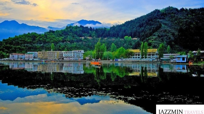 Kashmir Budget Tour Packages at Best Rates