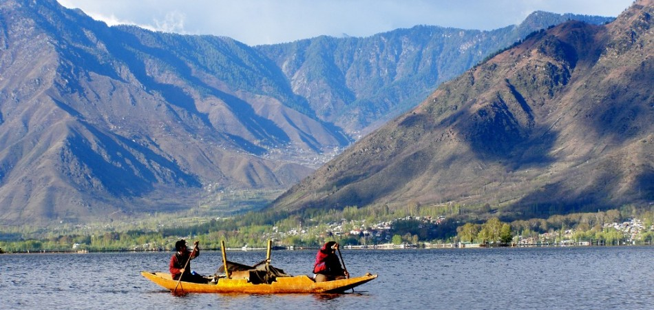 kashmir travel packages from Jazzmin Travels