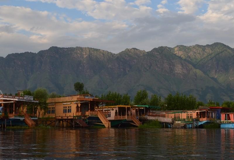 Best Kashmir Tour from Jazzmin Travels